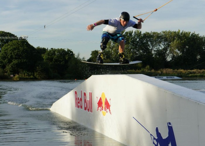 RED BULL'S BIONIC-BOARDER , Owen PICK
